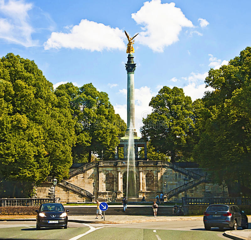 Munich, Alemania - ángel del monumento de la paz imagen de archivo libre de regalías