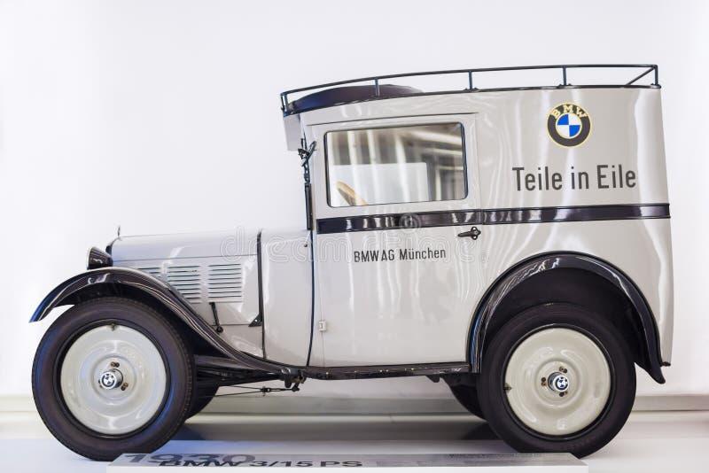 MUNICH - ALEMANIA, EL 17 DE JUNIO: BMW coche de 3/15 picosegundo produjo por BMW mostrado fotografía de archivo libre de regalías