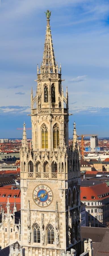 Munich, câmara municipal gótico em Marienplatz, Baviera fotografia de stock
