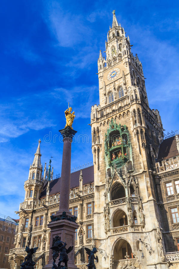 Munich, câmara municipal gótico em Marienplatz, Baviera foto de stock