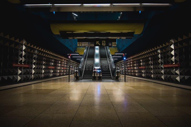 Munich gångtunnelstation arkivbild