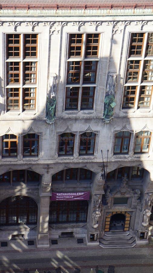 Munich Marienplatz Bayern ny stadshussikt arkivbild