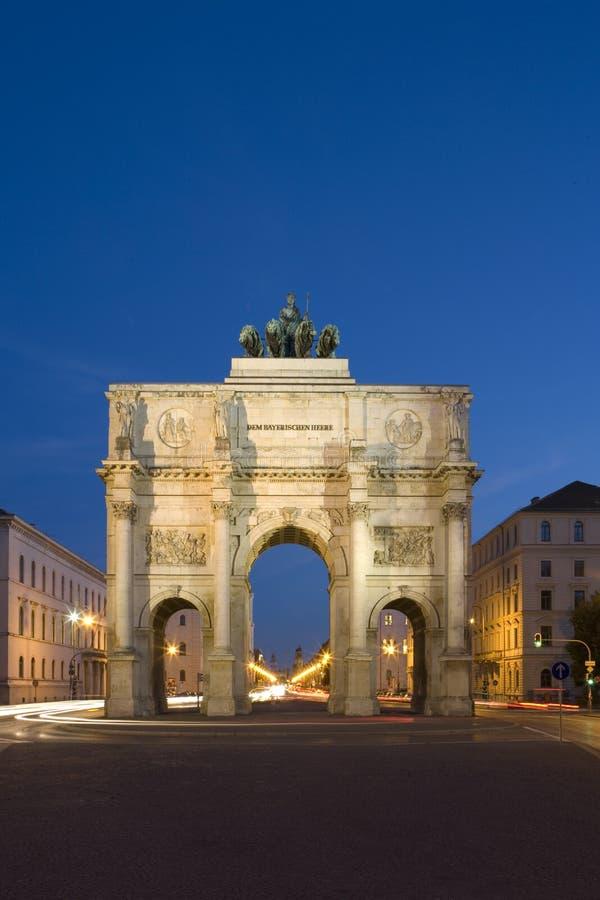 Munich na noite foto de stock royalty free