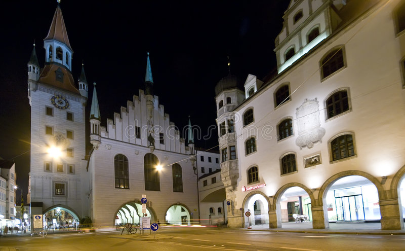 Munich na noite fotos de stock