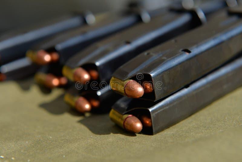 munición de la pistola de 9m m imagen de archivo libre de regalías
