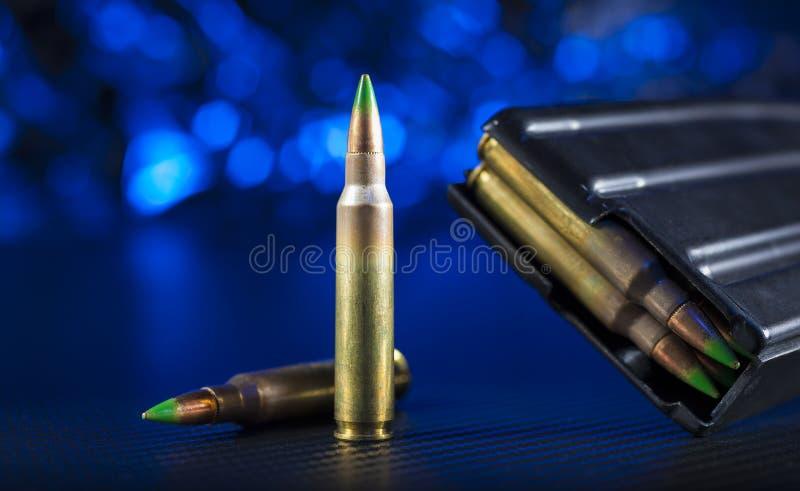 Munición M855 para un rifle de asalto foto de archivo libre de regalías
