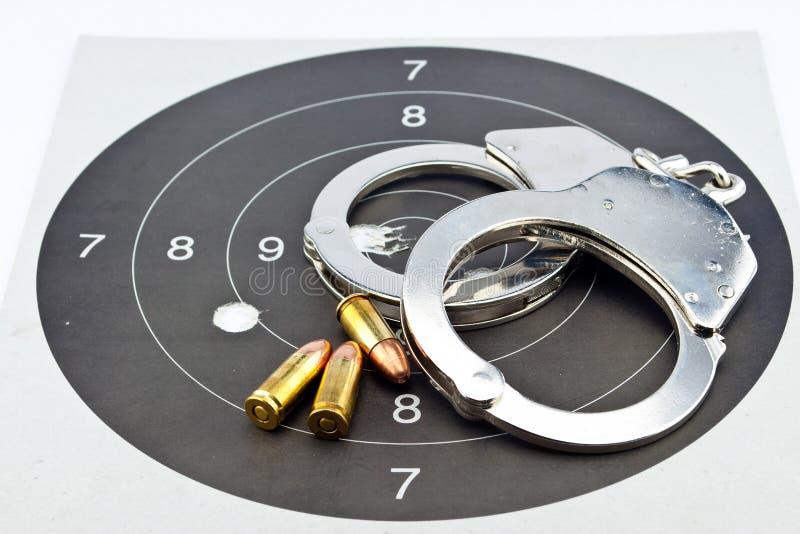 munición y manilla del Luger de 9m m imagen de archivo libre de regalías