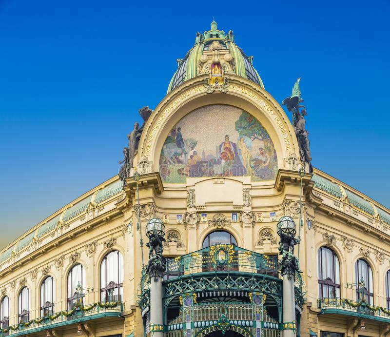 Municipal House - Art Nouveau historische building at Republic Square, Namesti republiky, in Praag royalty-vrije stock foto