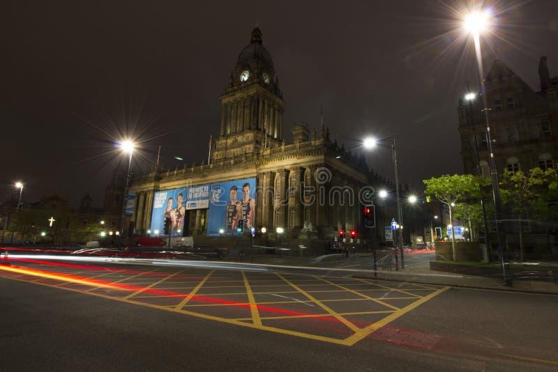 Municipio di Leeds alla notte fotografie stock