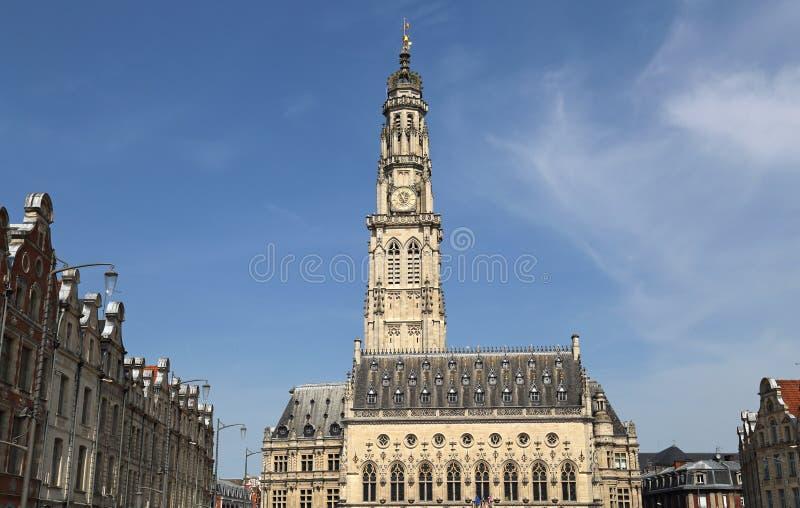 Municipio e campanile dell'arazzo, Francia fotografie stock libere da diritti