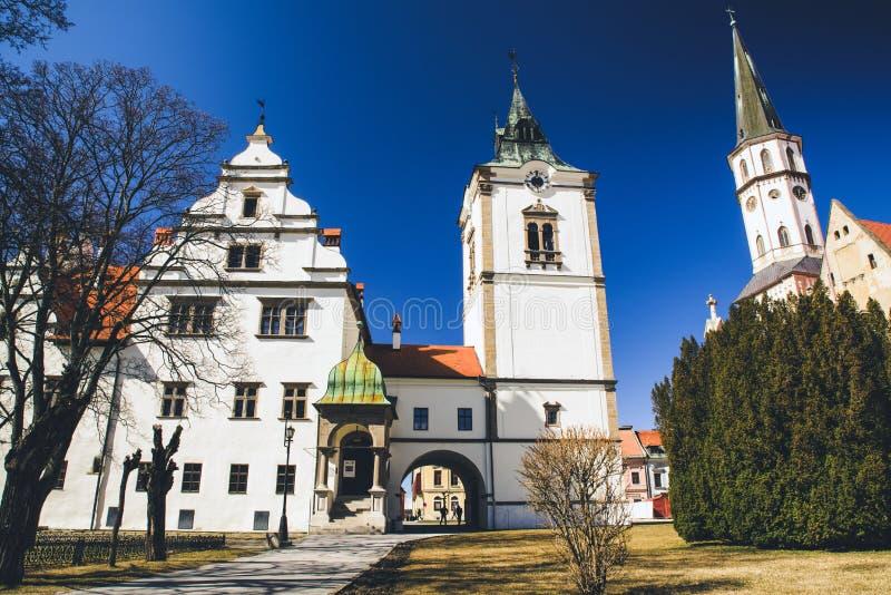 Municipio e cattedrale di St James in città Levoca, Slovacchia immagini stock libere da diritti