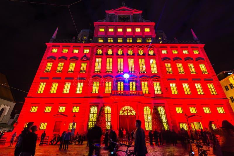 Municipio illuminato di Augusta, Germania immagine stock libera da diritti