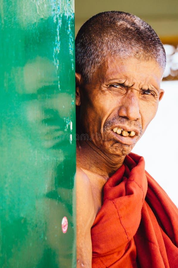 Munk i Yangon royaltyfria bilder