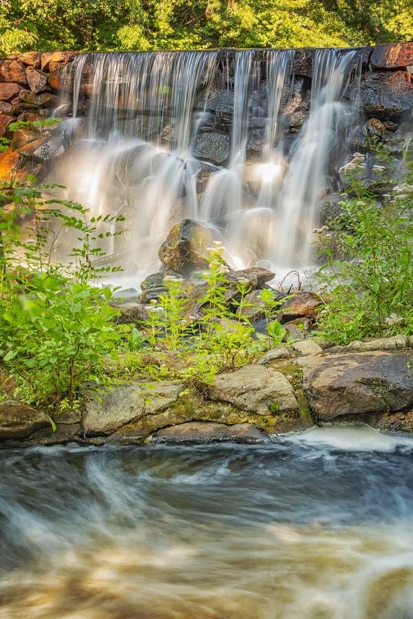 Munka Ljungby Wasserfall und Salmon Ladder stockfotografie