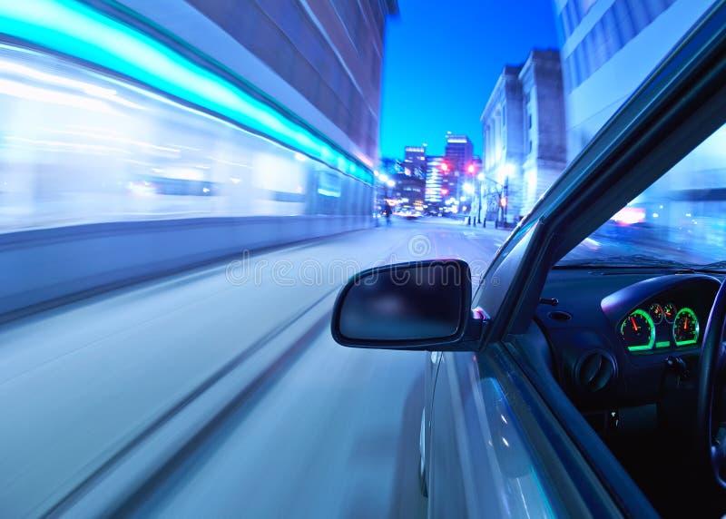 Muoversi dell'automobile immagini stock