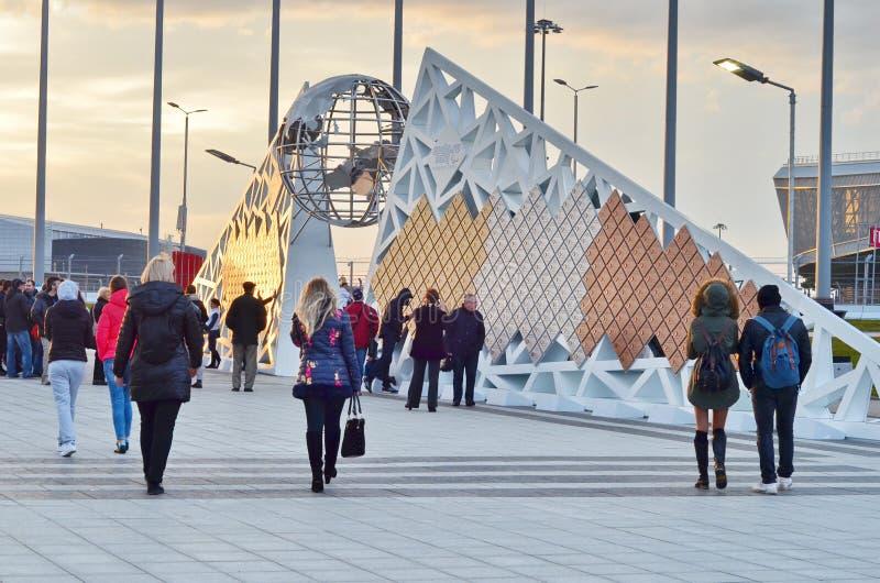 Mur avec les médailles olympiques en parc olympique, Sotchi, Fédération de Russie image libre de droits