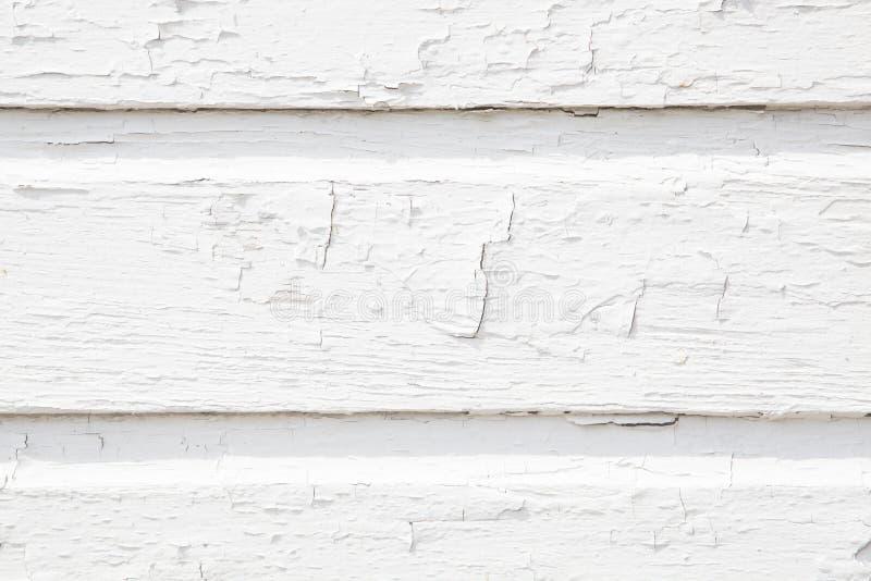 Mur blanc en bois de lamelle avec la peinture de fissuration photos stock