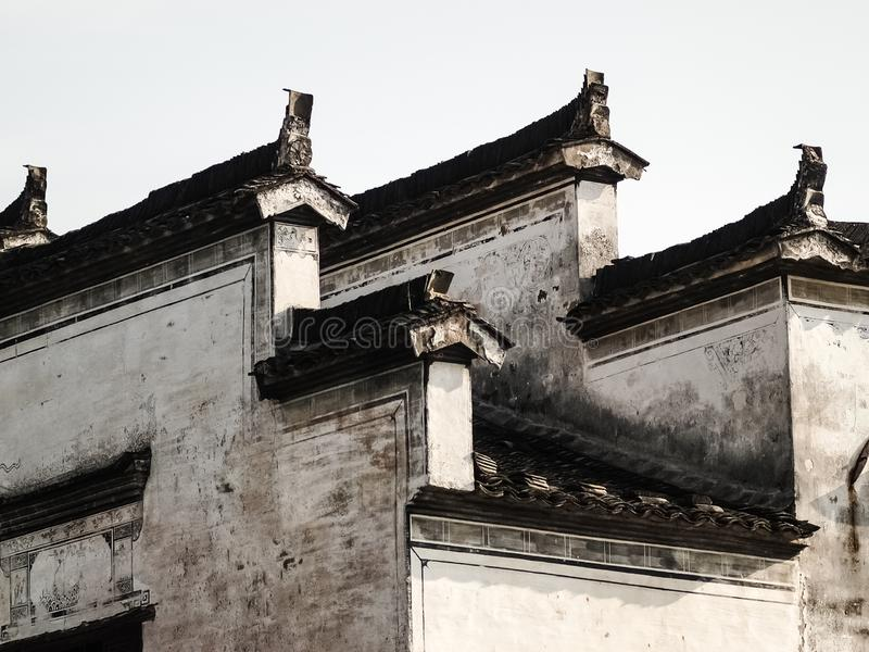 Mur chinois et toit antiques faisant face en Hon Cun photo libre de droits