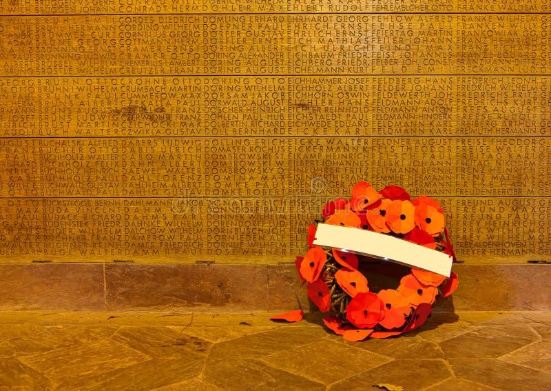 Mur commémoratif de Langemark, champs de la Flandre image libre de droits