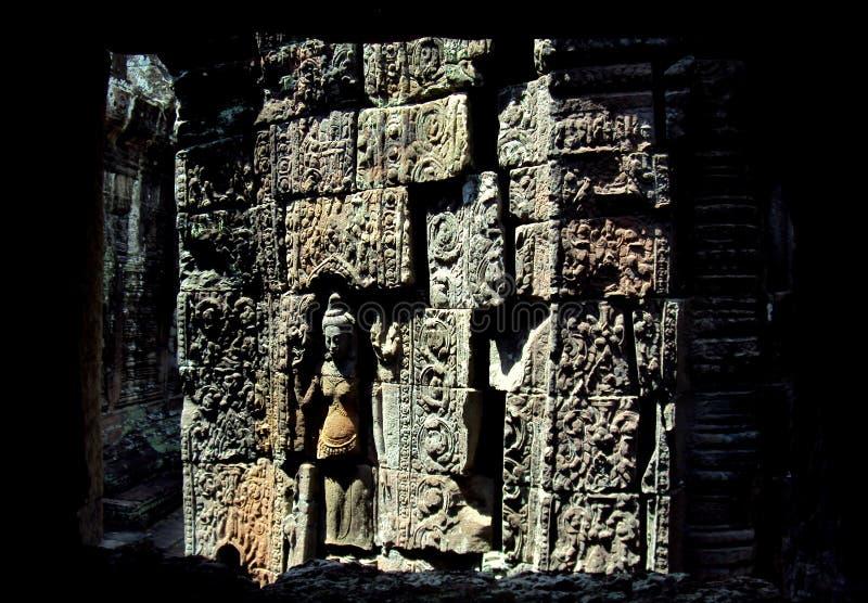 Mur complexe découpant le wat d'ankor image stock