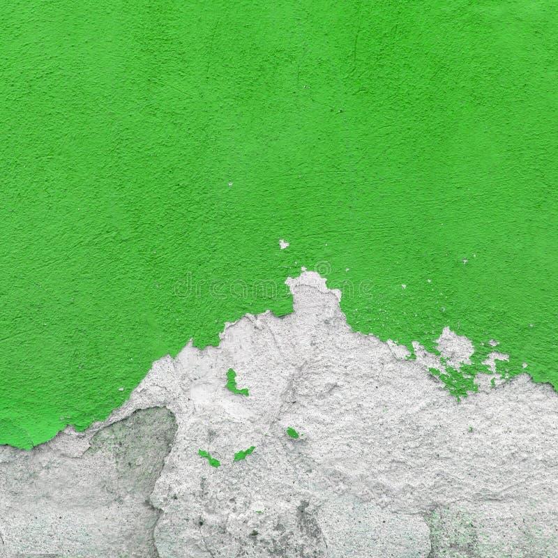 Mur couvert de plâtre brisé images stock