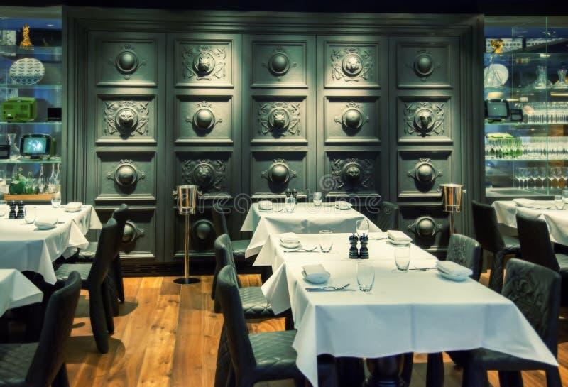 Mur décoratif de restaurant photo stock