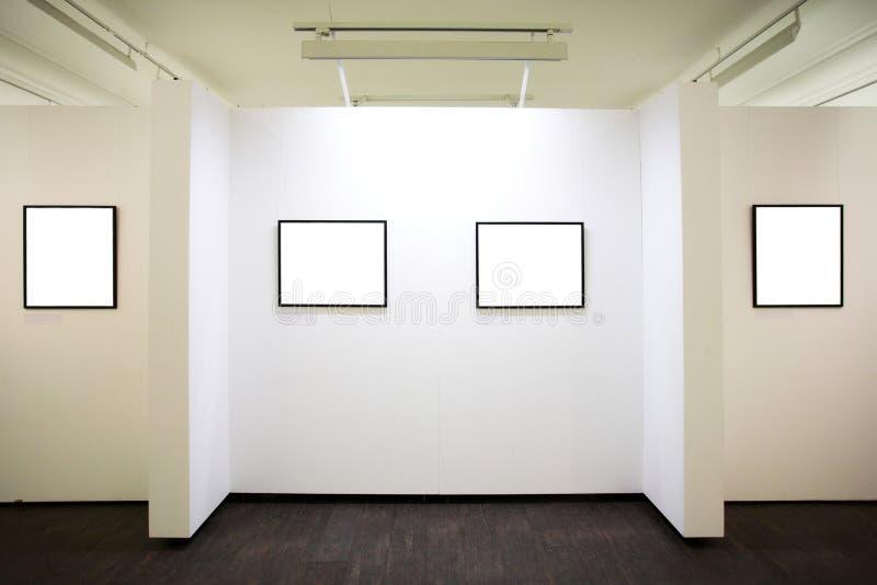 Mur dans le musée avec des trames photo stock