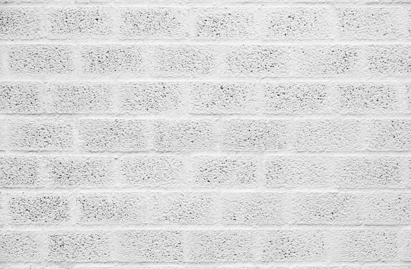 Mur de bloc de béton peint par blanc photos libres de droits