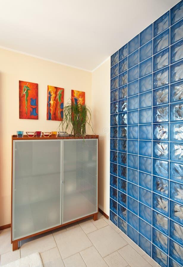 Mur de blocs en verre images libres de droits