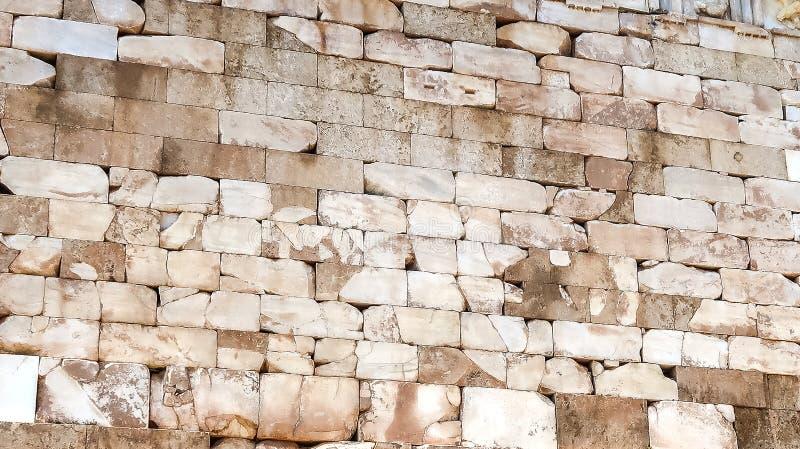 Mur de briques du trésor athénien à Delphes photo libre de droits