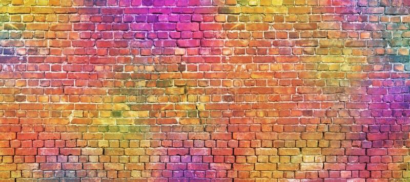 Mur de briques peint, fond abstrait de différentes couleurs photographie stock