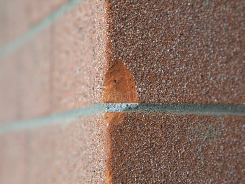 Mur de briques rouge endommag? photographie stock libre de droits
