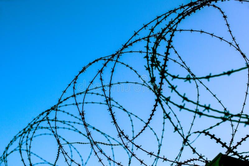 Mur de permieter de wiere de coiffeur de barrière de sécurité images libres de droits