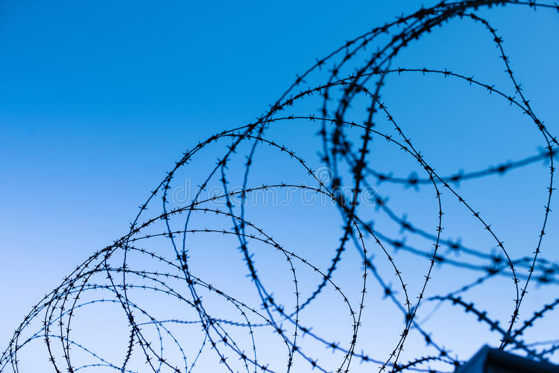 Mur de permieter de wiere de coiffeur de mur de sécurité image libre de droits
