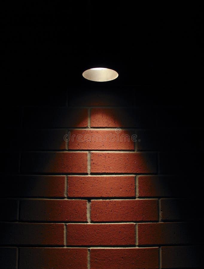mur de projecteur de rouge de brique images libres de droits