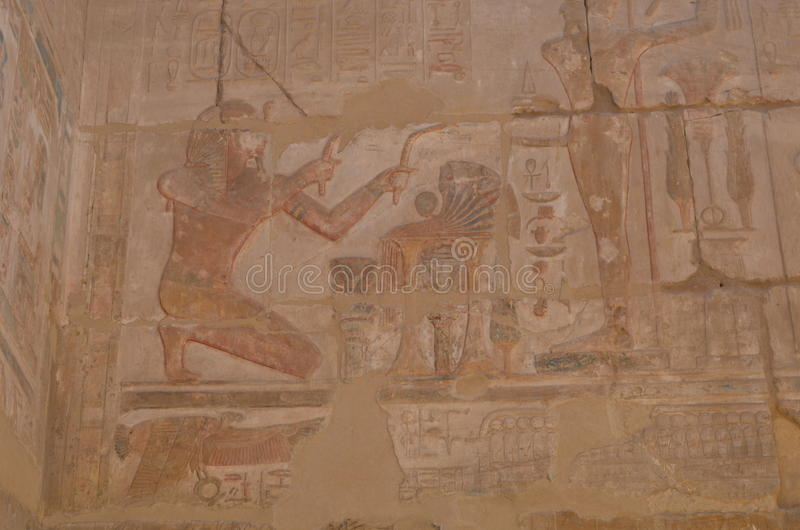Mur de temple de Karnak images stock