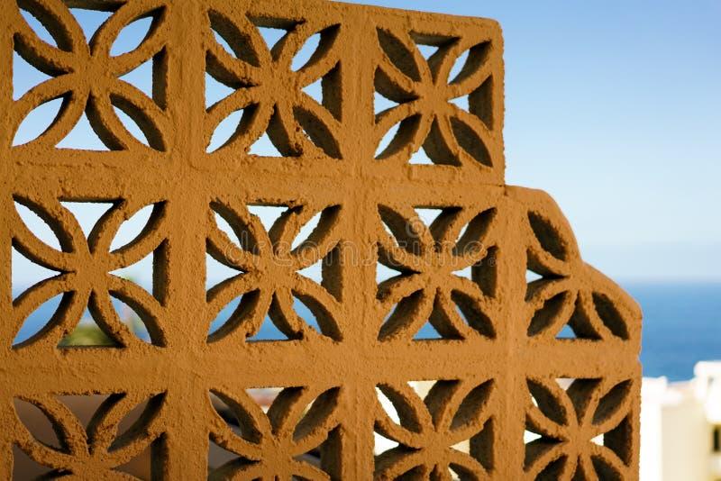 Mur des blocs en céramique photos libres de droits