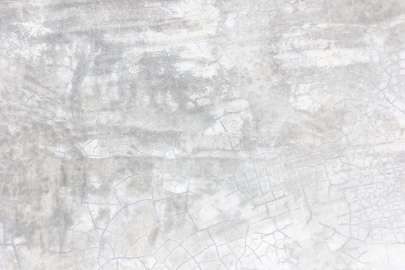 Mur en béton grunge de ciment avec la fente dans le bâtiment image libre de droits