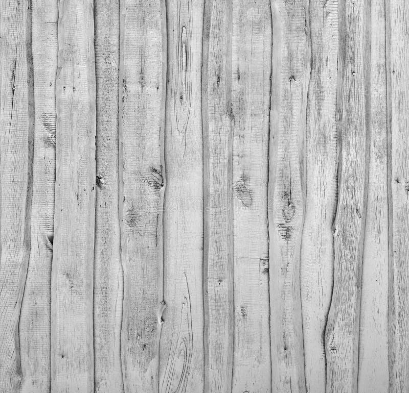 Mur en bois avec les planches verticales image stock
