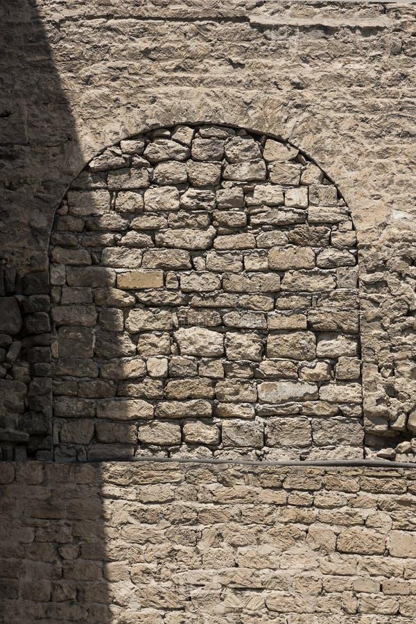 Mur en pierre de forteresse, forteresse antique du centre historique d'Icheri Sheher, Bakou, la République de l'Azerbaïdjan photo stock