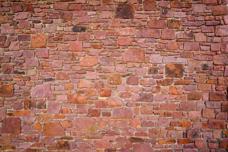 Mur en pierre de maçonnerie en pierre d'ardoise en Andorre image stock