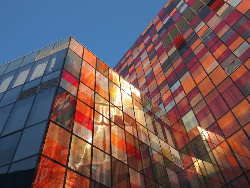 Mur en verre d'immeuble de bureaux image libre de droits