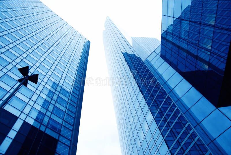 Mur en verre d'un immeuble de bureaux image libre de droits