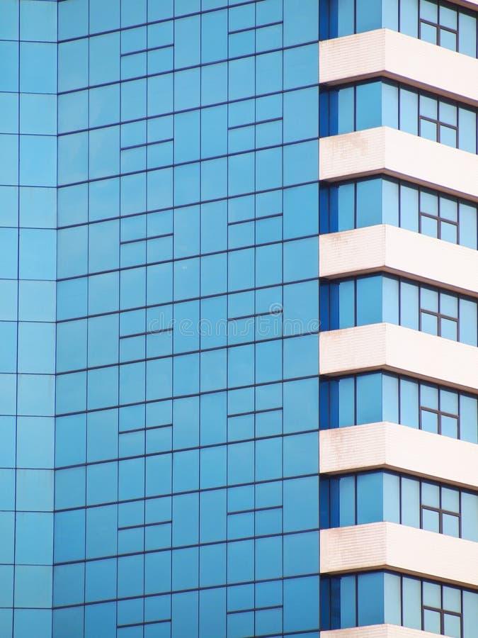Mur en verre de miroir de construction image libre de droits