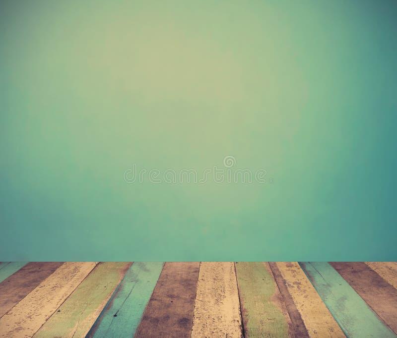 Mur et carrelages bleu-clair photo stock