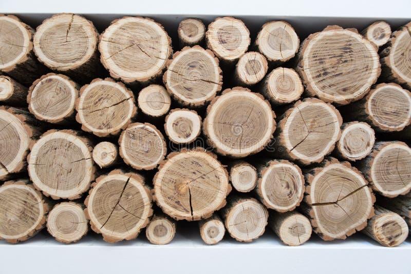 Mur fait de bois empilé photo libre de droits