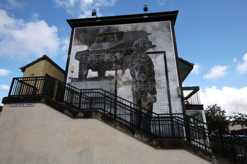 Mur-peintures ensanglantées de dimanche à Londonderry images libres de droits