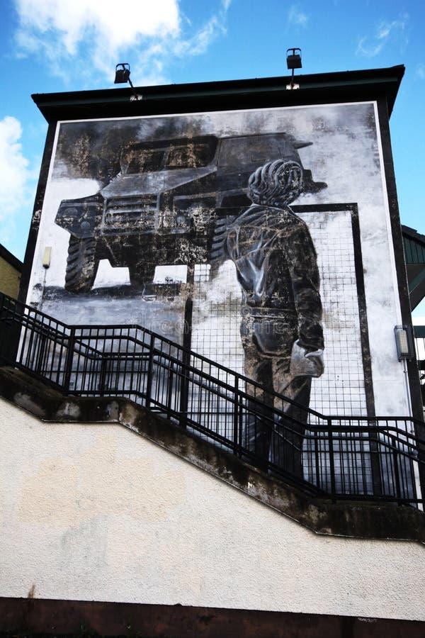 Mur-peintures ensanglantées de dimanche à Londonderry photos libres de droits