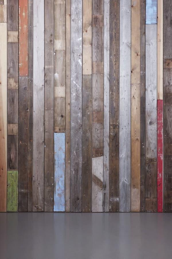 Mur rustique moderne images stock