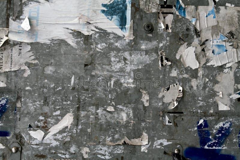 Mur urbain d'affiche photos libres de droits